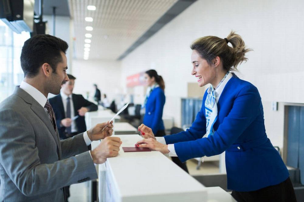 Hôtesse Aéroportuaire Travailler Dans Les Aéroports Sans Voler