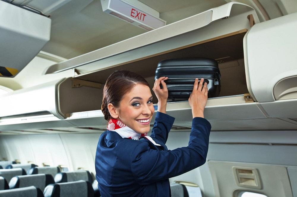 Les avantages et les inconvénients d'être hôtesse de l'air